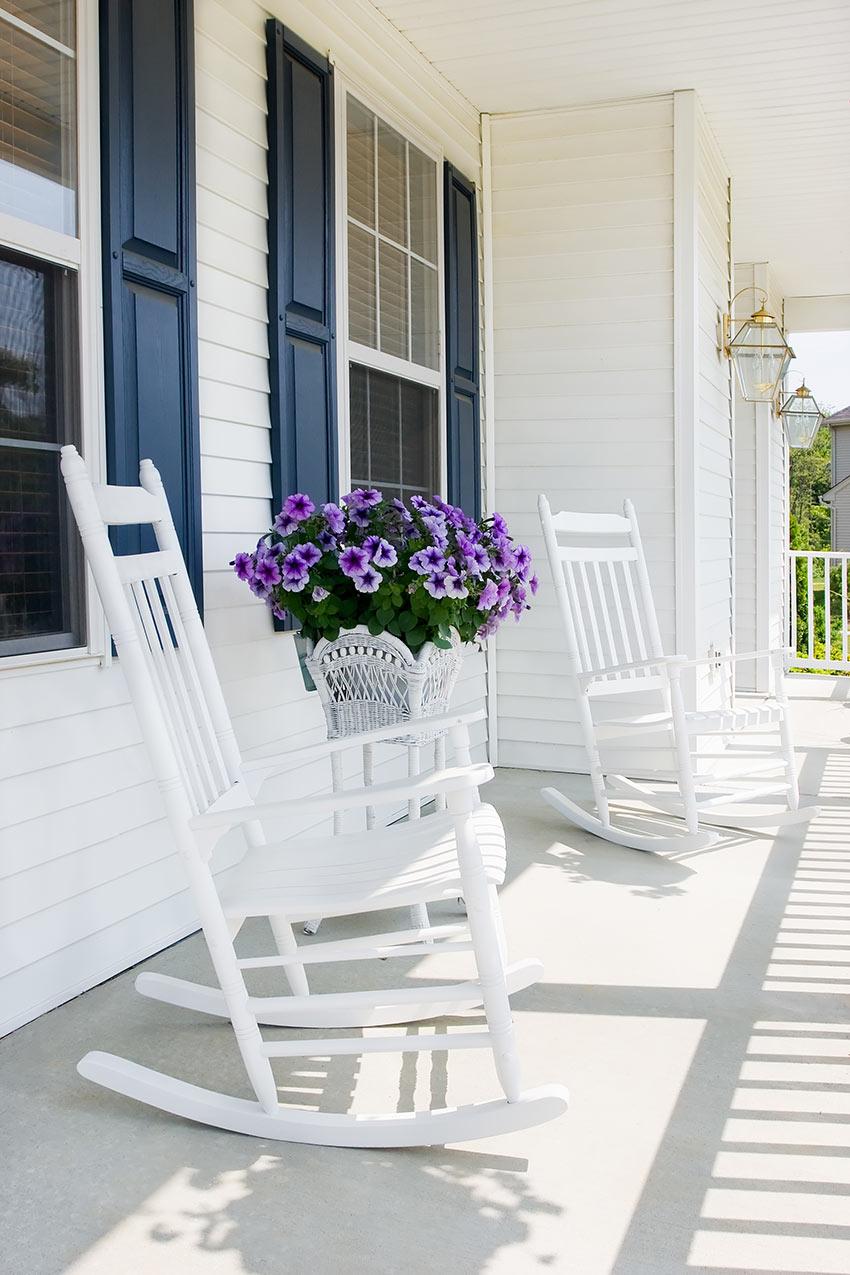 Porche décorer avec des fleurs au printemps
